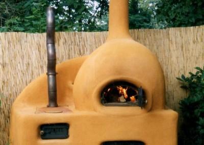 Backofen mit Kochfeuerstelle